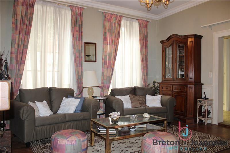 Sale house / villa Chateau gontier 158080€ - Picture 2