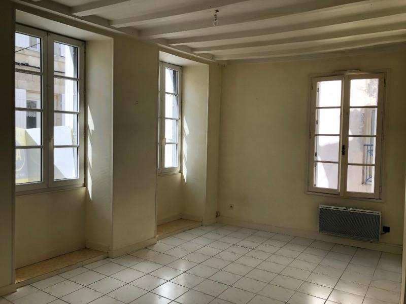 Location appartement Saintes 600€ CC - Photo 2