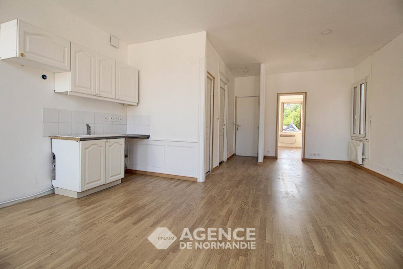 Rental apartment Montreuil-l'argille 355€ CC - Picture 2
