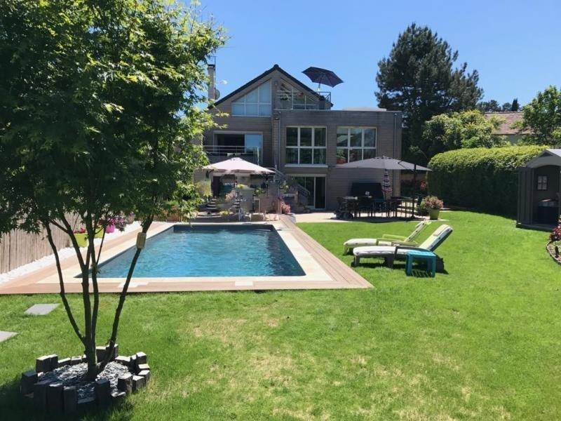 Sale house / villa Montfort l amaury 985000€ - Picture 1
