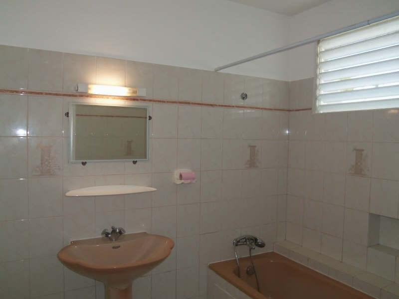 Location maison / villa St francois 750€ CC - Photo 10