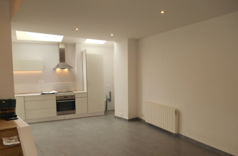Rental house / villa Saint quentin 498€ CC - Picture 2