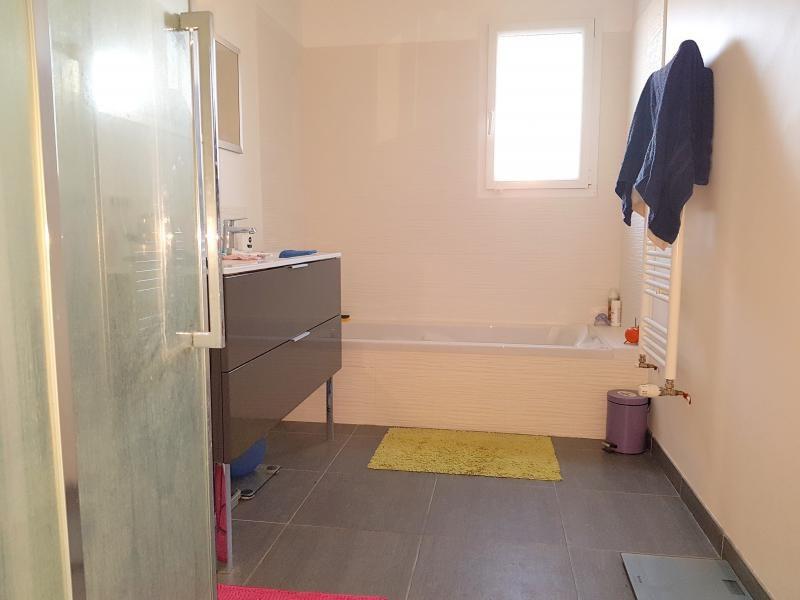 Rental house / villa Chavagne 920€ CC - Picture 8
