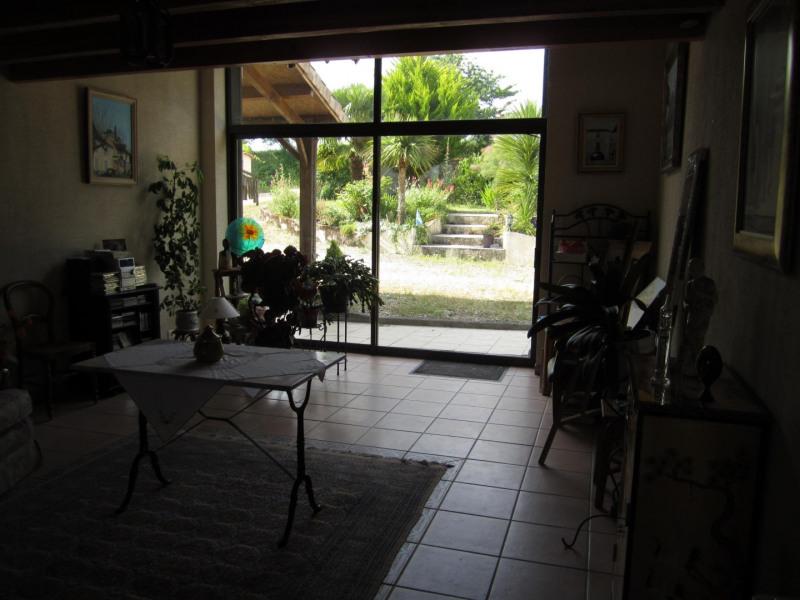 Sale house / villa Barbezieux saint-hilaire 239200€ - Picture 7