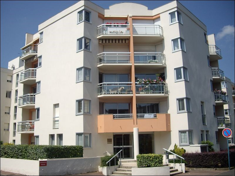 Location appartement Montgeron 869€ CC - Photo 1