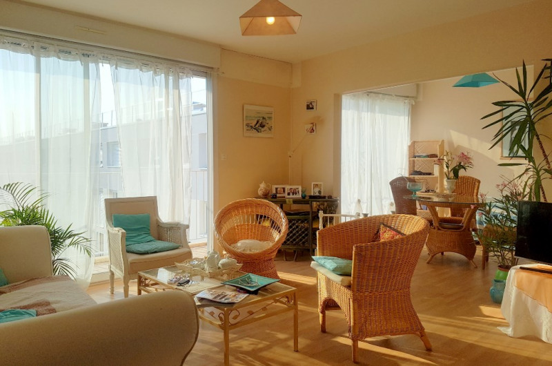 Sale apartment Laval 70 200€ - Picture 1