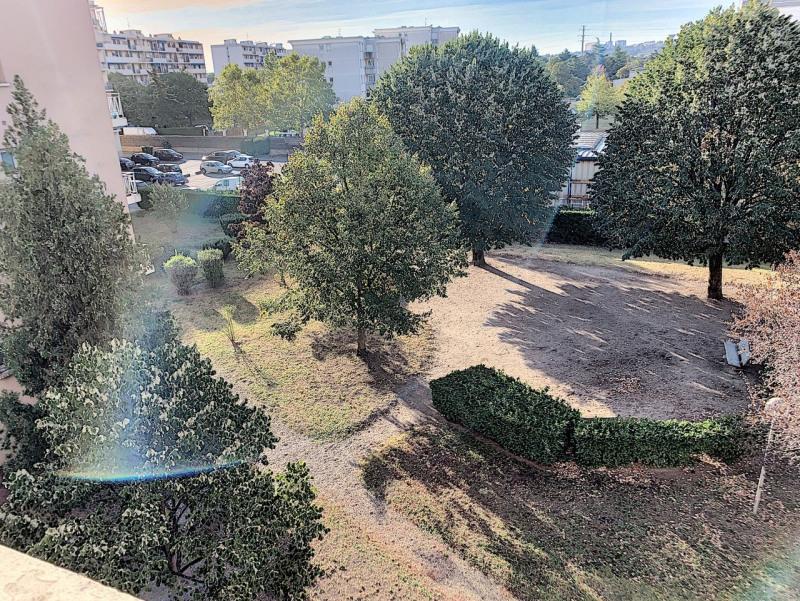 Revenda apartamento Lyon 8ème 139000€ - Fotografia 13