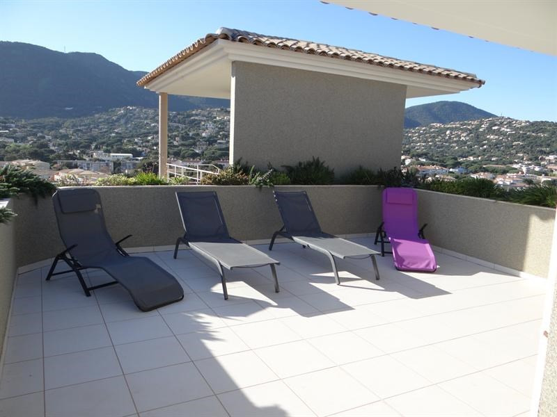Vacation rental apartment Cavalaire 600€ - Picture 4