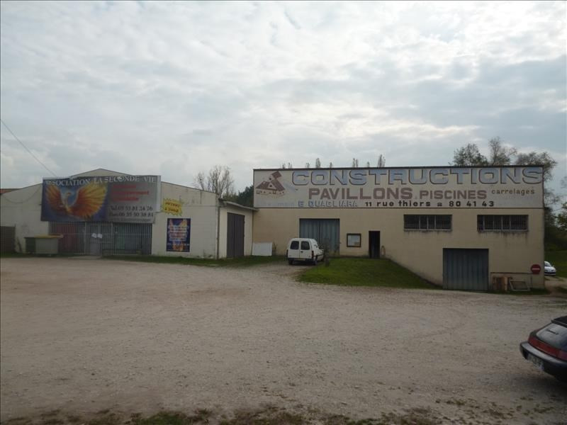 Location local commercial Montpon menesterol 700€ HT/HC - Photo 1