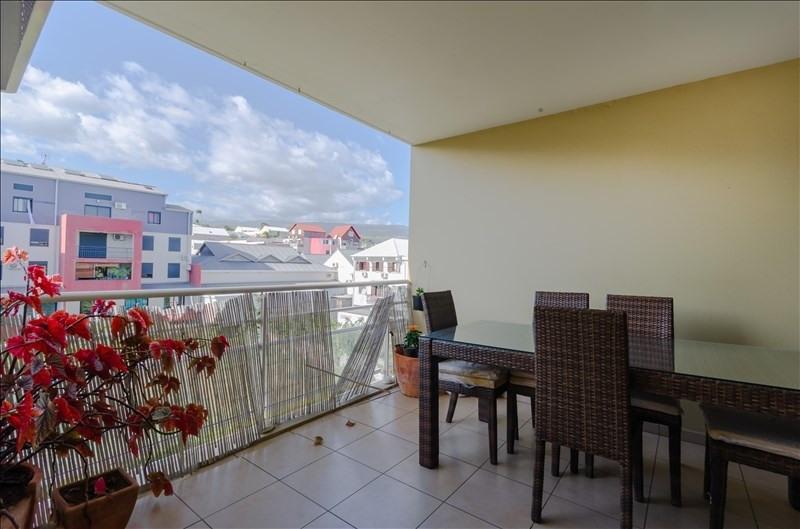 Rental apartment St pierre 976€ CC - Picture 1