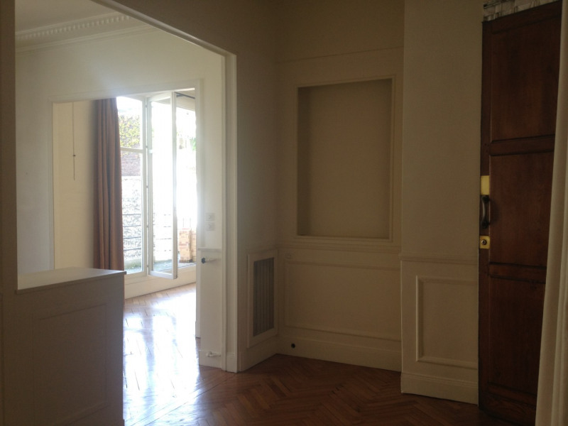Rental apartment Paris 16ème 3380€ CC - Picture 11