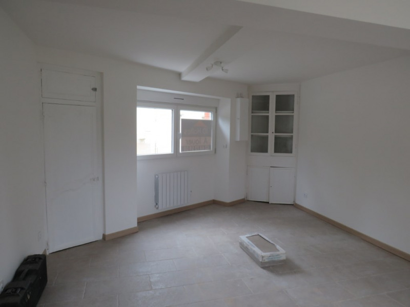 Location maison / villa Courbeveille 410€ CC - Photo 5