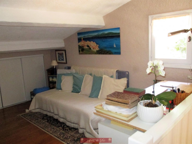 Sale apartment Bormes les mimosas 265 000€ - Picture 5