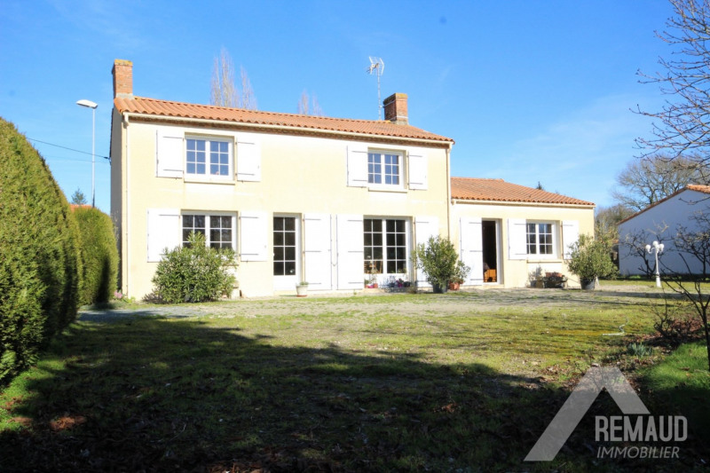 Sale house / villa Venansault 210 740€ - Picture 1