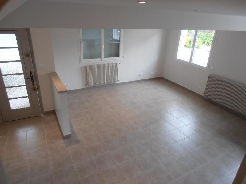 Rental apartment Bellignat 745€ CC - Picture 2