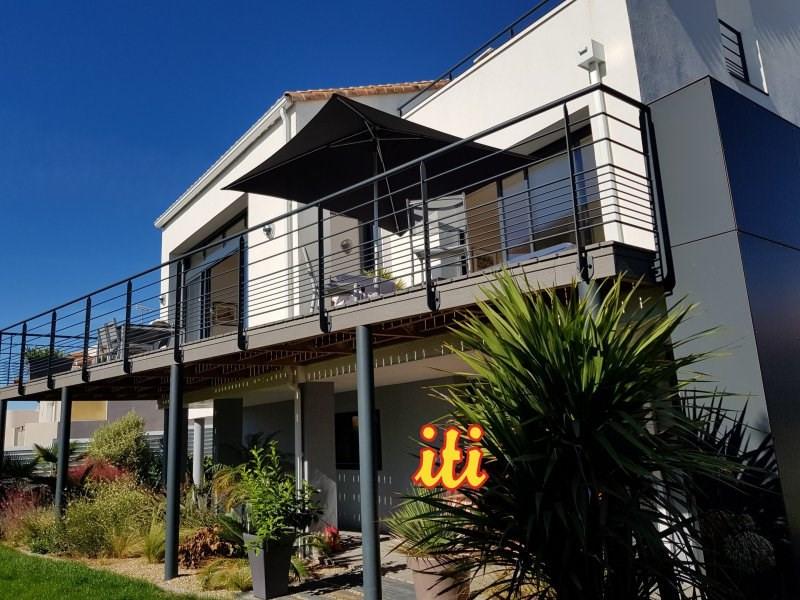 Deluxe sale house / villa Chateau d'olonne 995000€ - Picture 1