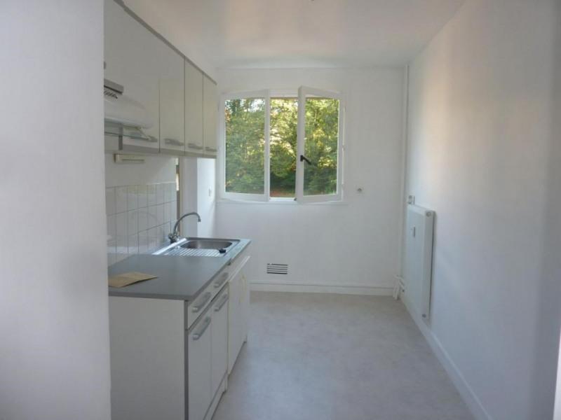 Sale apartment Lisieux 105000€ - Picture 2