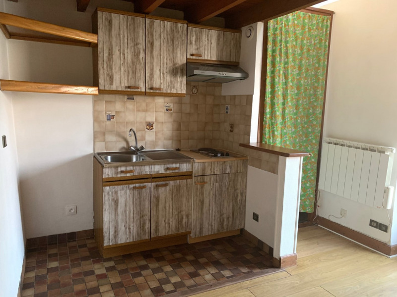 Location appartement La ville du bois 409€ CC - Photo 1