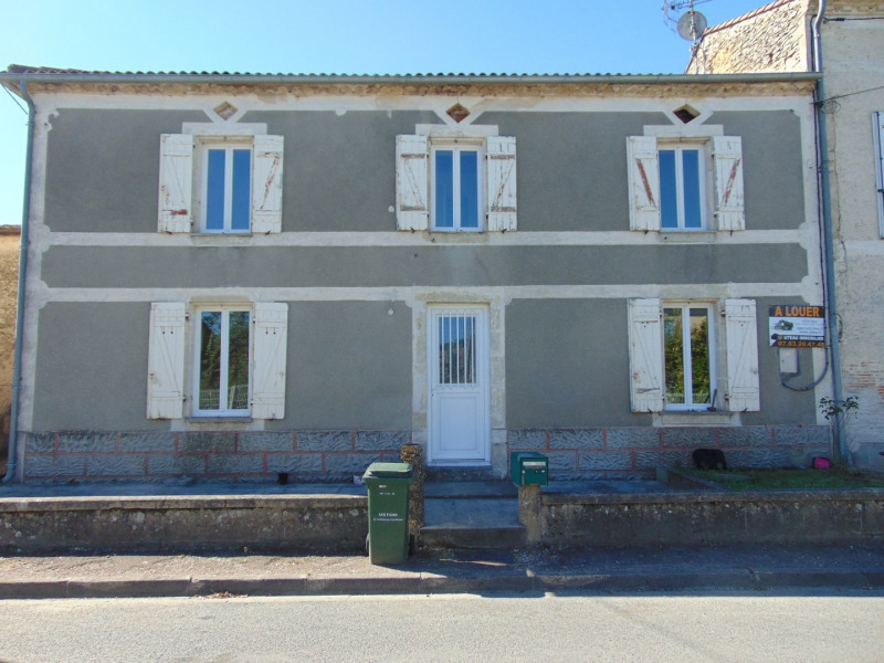 Location maison / villa Bagas 550€ CC - Photo 1