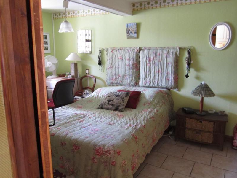 Sale house / villa Barbezieux saint-hilaire 239200€ - Picture 10