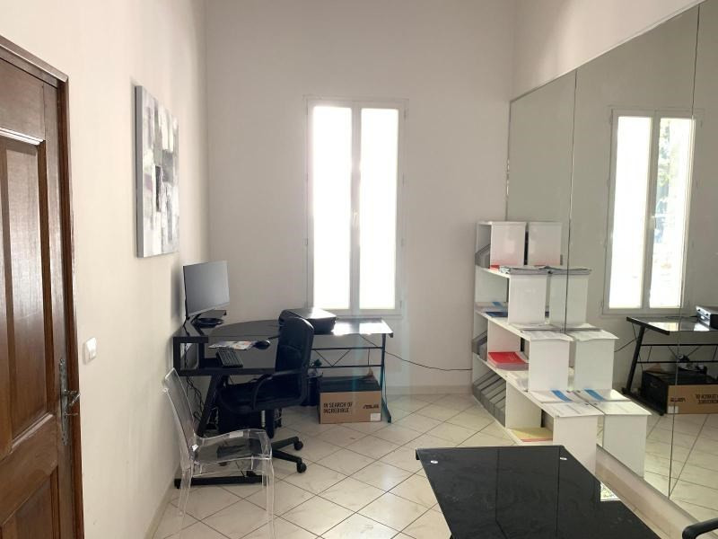 Location boutique Aix en provence 950€ CC - Photo 3
