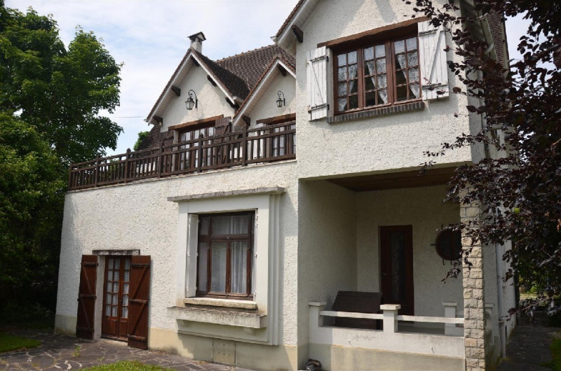 Sale house / villa Chartrettes 325000€ - Picture 1