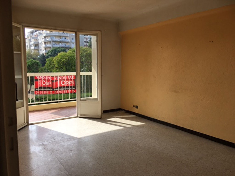 Sale apartment Saint laurent du var 185000€ - Picture 6