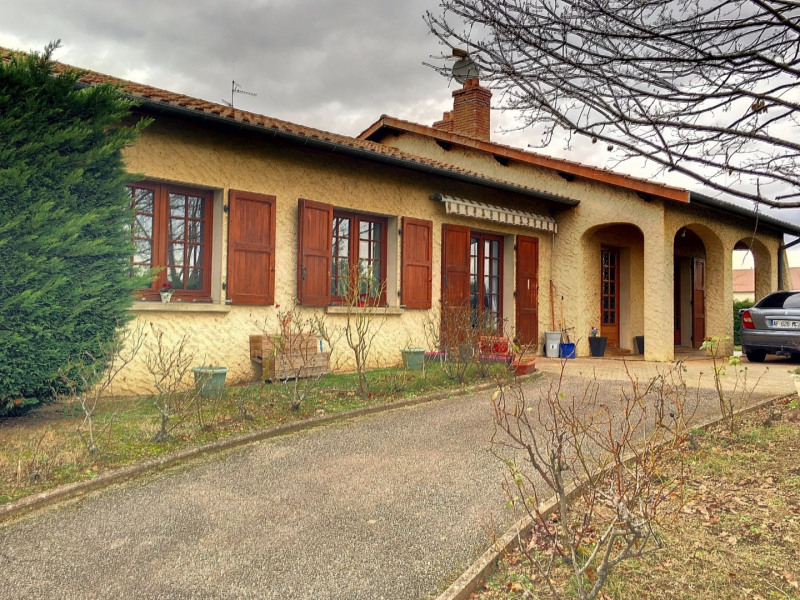 Sale house / villa Mornant 430 000€ - Picture 1