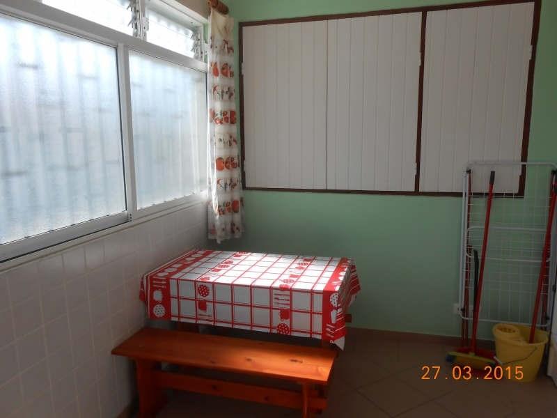 Rental apartment Ste anne 650€ CC - Picture 4