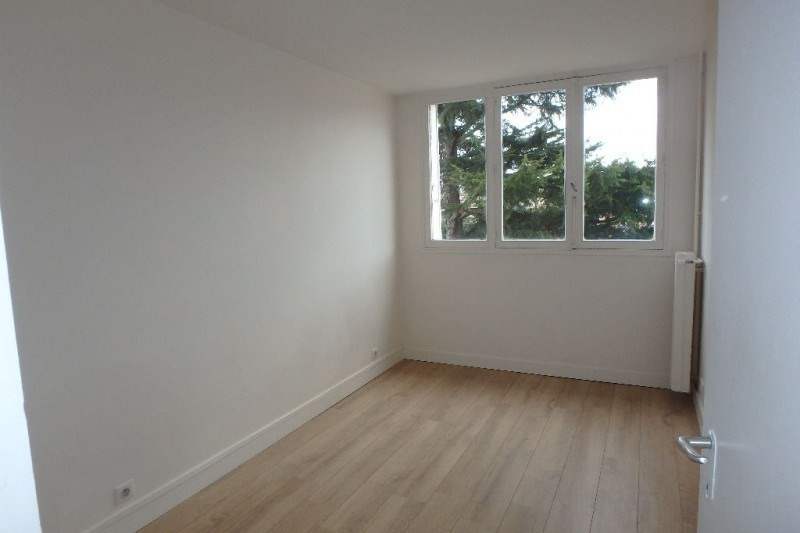 Rental apartment Viroflay 1132€ CC - Picture 3