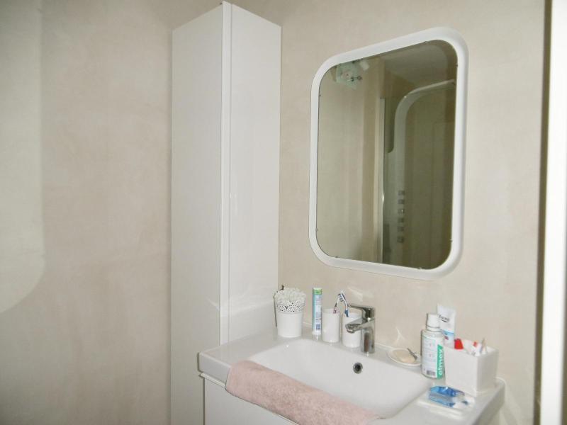 Sale apartment Cusset 139000€ - Picture 3
