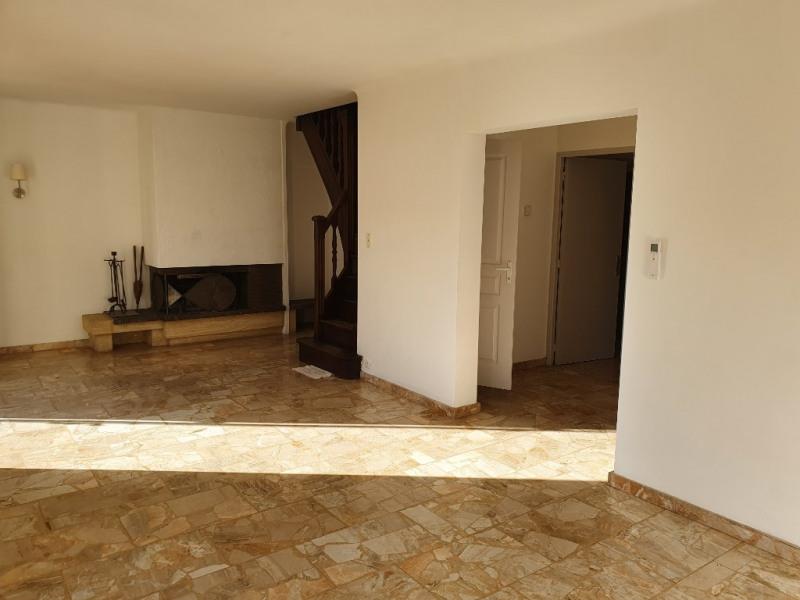 Location maison / villa Meyrargues 1250€ CC - Photo 12