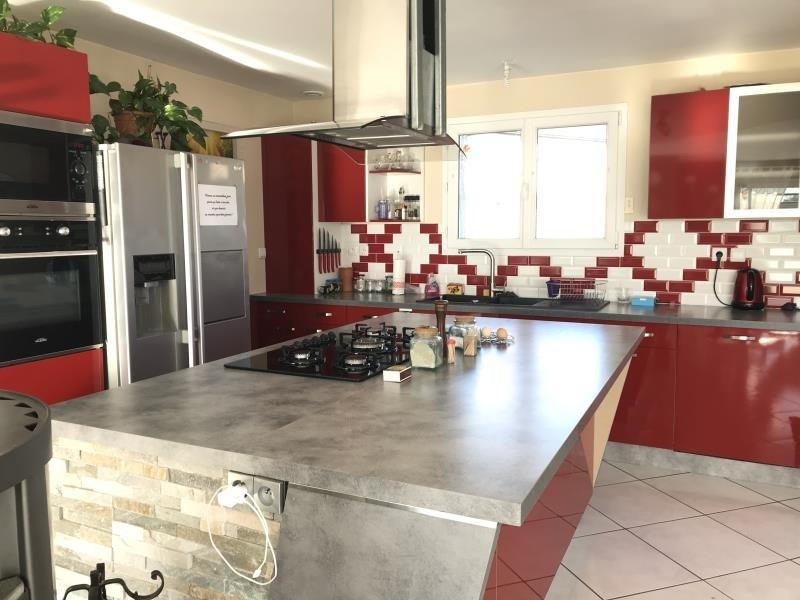 Sale house / villa Les abrets 355000€ - Picture 4