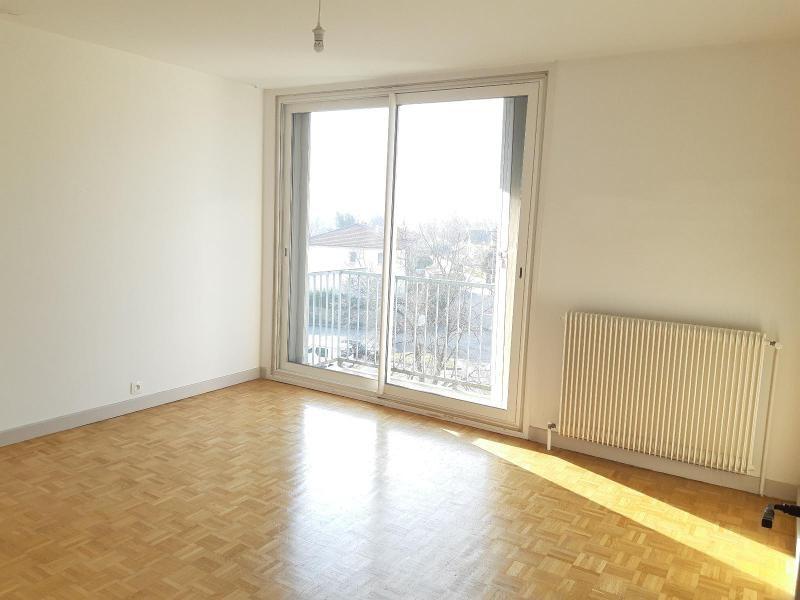 Location appartement Fontaine 600€ CC - Photo 3