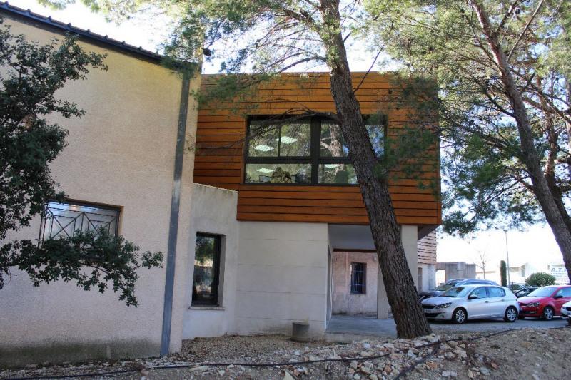 Sale empty room/storage Lambesc 997500€ - Picture 1