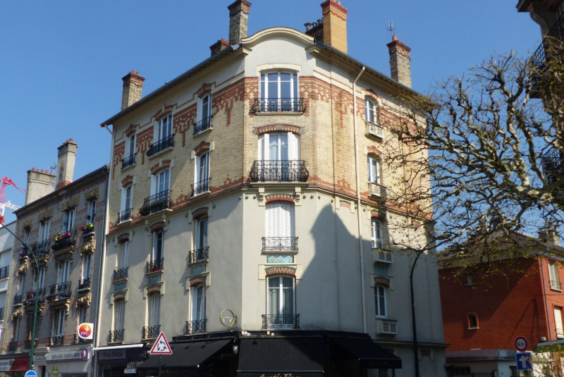 Sale apartment Le raincy 325000€ - Picture 2