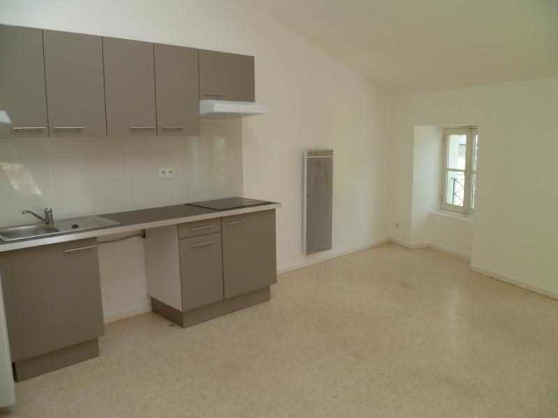 Rental apartment Laval 367€ CC - Picture 2