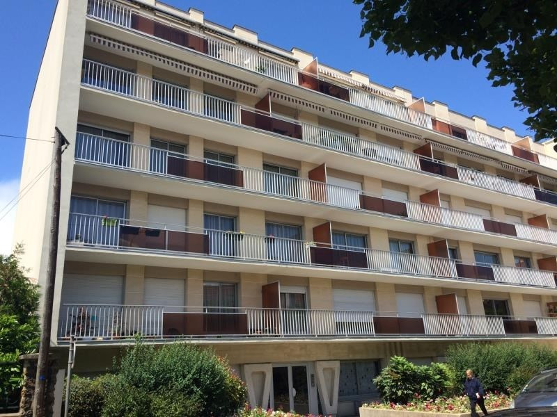Sale apartment Poissy 320 000€ - Picture 1