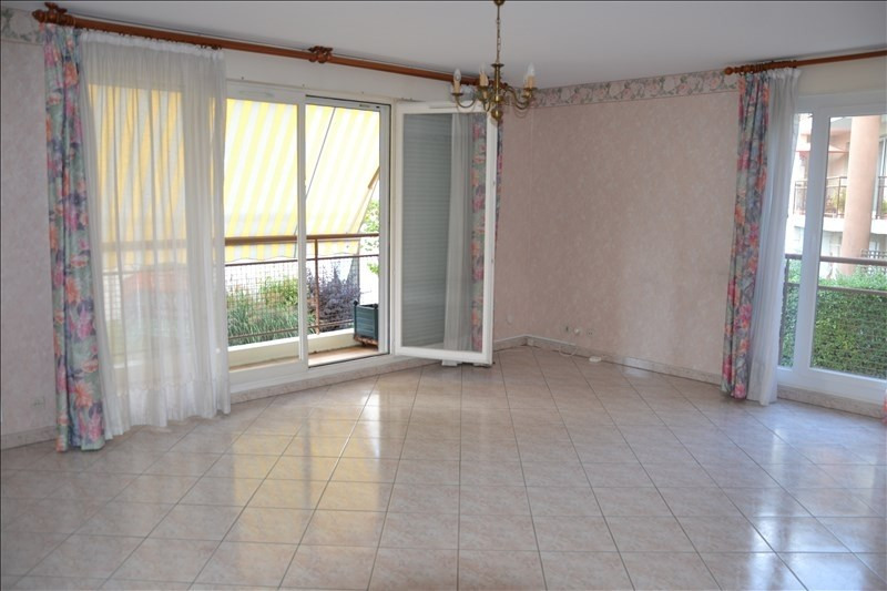Sale apartment Osny 199 000€ - Picture 1