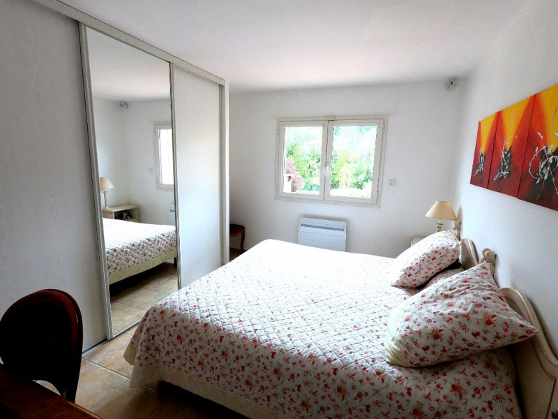 Rental house / villa Simiane collongue 2530€ CC - Picture 9