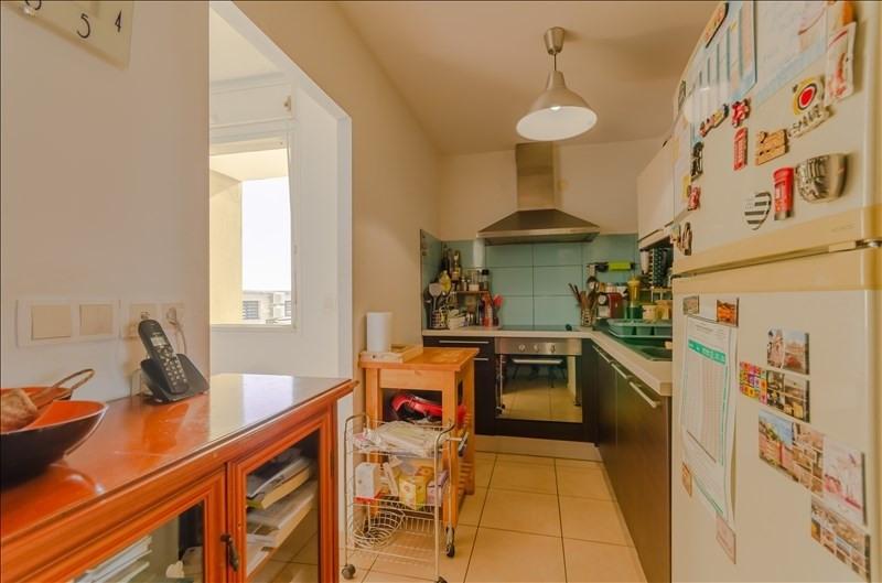 Rental apartment St pierre 976€ CC - Picture 3