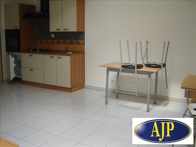 Location appartement Cholet 415€ CC - Photo 3