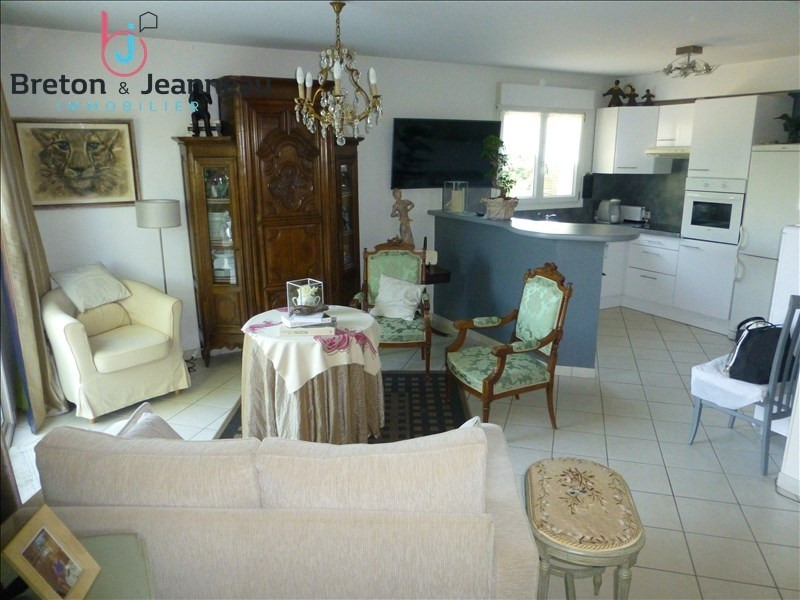 Investment property house / villa Laval 149760€ - Picture 3