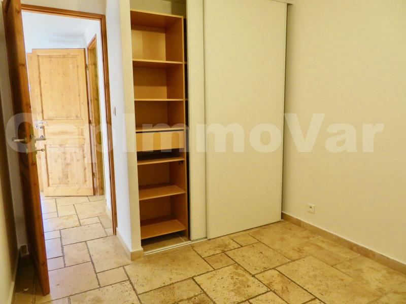 Rental apartment Le beausset 690€ CC - Picture 4