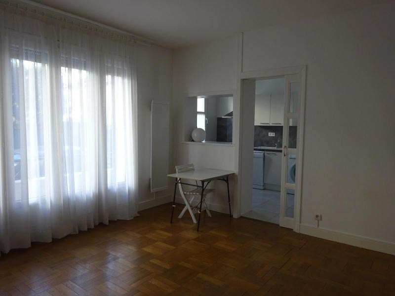 Rental apartment Vichy 410€ CC - Picture 2
