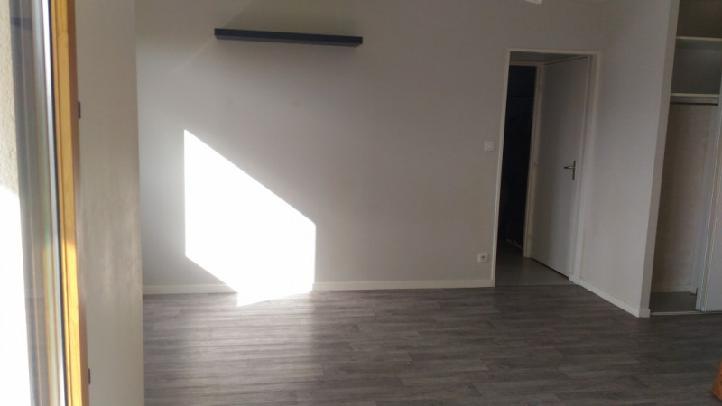 Location appartement Retiers 360€ CC - Photo 2