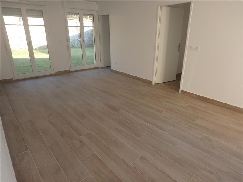 Rental apartment Buc 2 124€ CC - Picture 3
