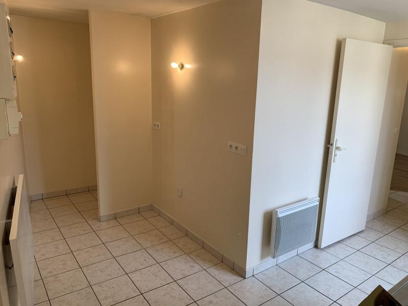 Location appartement Pierrelaye 775€ CC - Photo 3