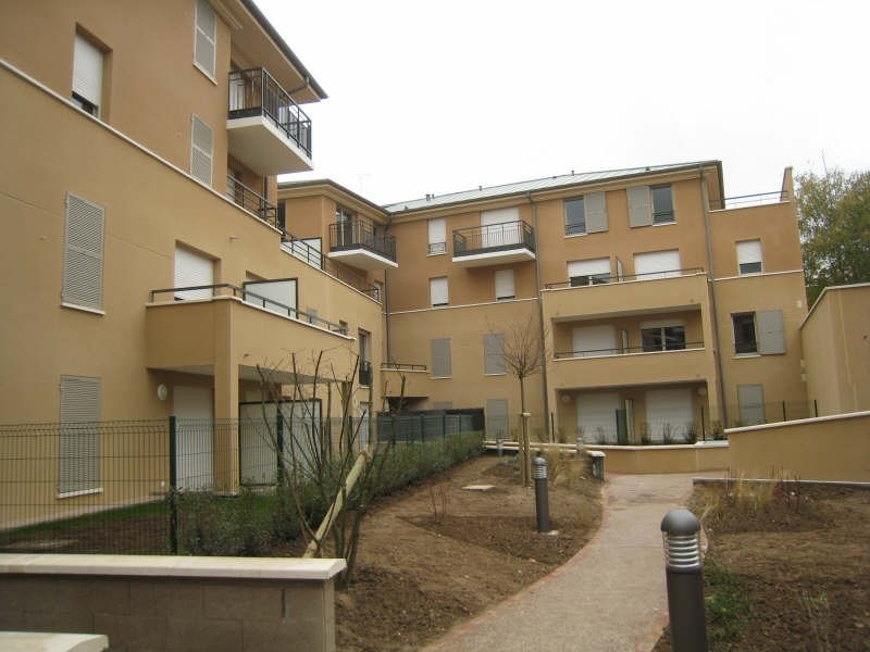 Location appartement Osny 740€ CC - Photo 1
