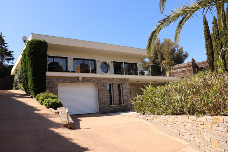 Vacation rental house / villa Cavalaire sur mer 2 200€ - Picture 1